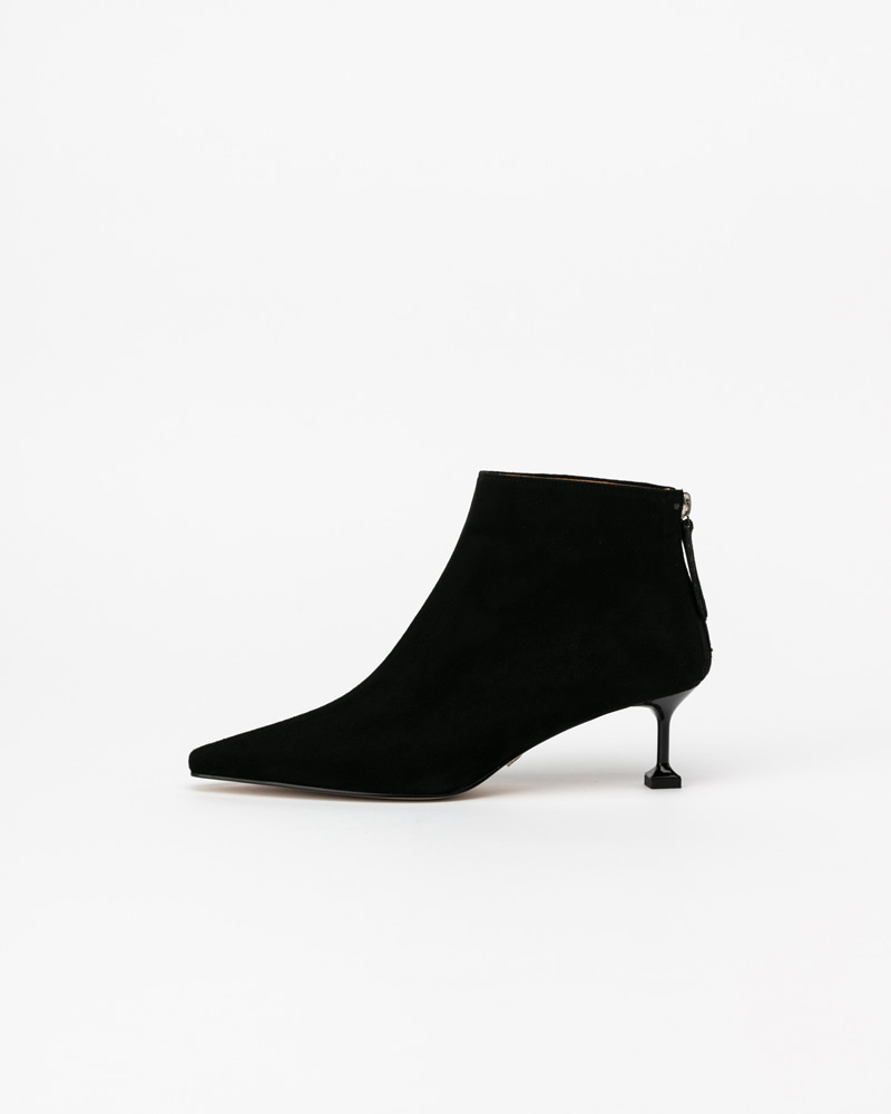 Pylonia Boots in Black Suede