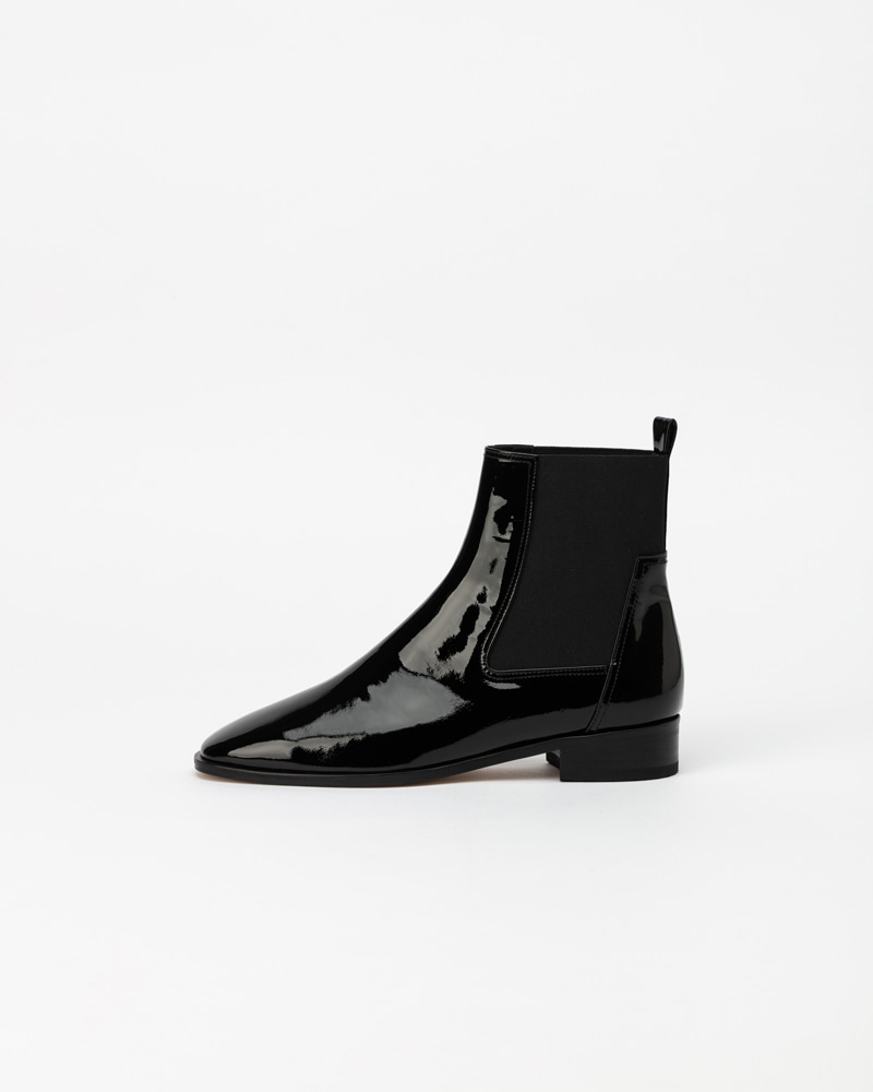 Lenore Chelsea Boots in Black Patent
