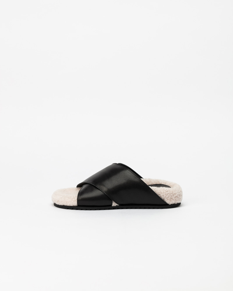 Elfaba Slides in Black Strap with Ivory Fur