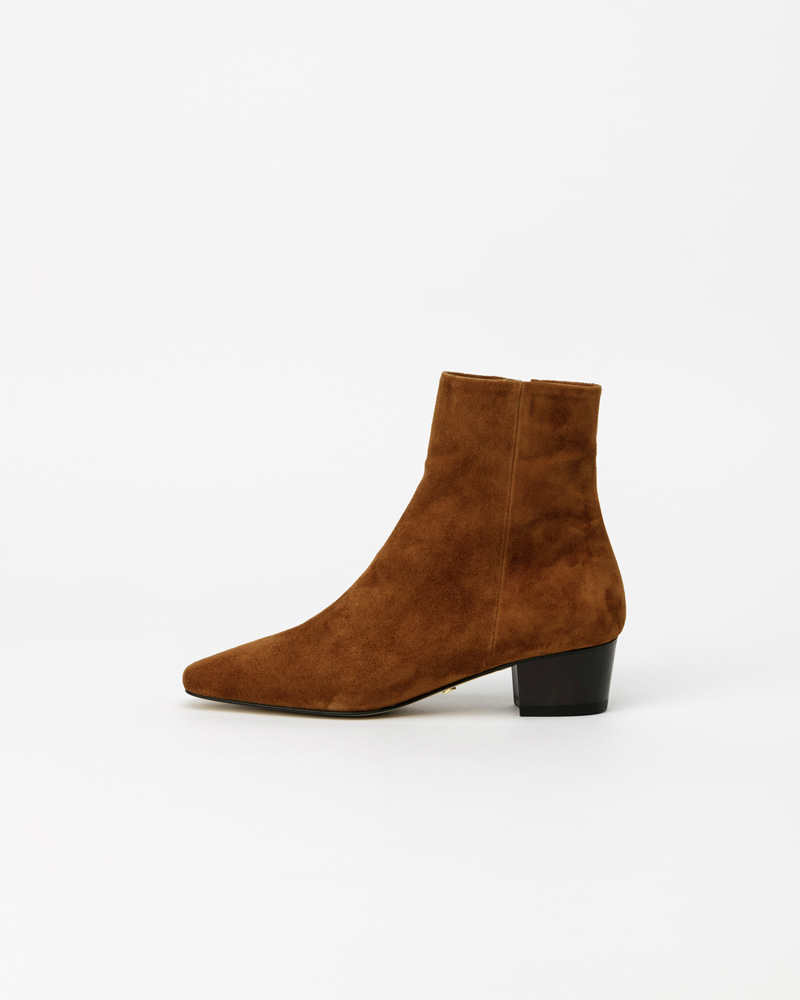 Eira Boots in Camel Brown Suede