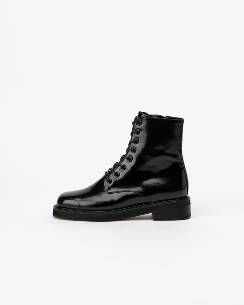 Becker Combat Boots in Black Box
