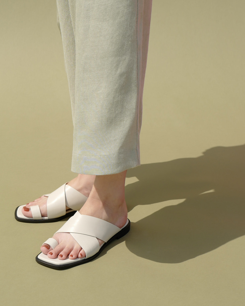 Tortois Ring Slides in Ivory