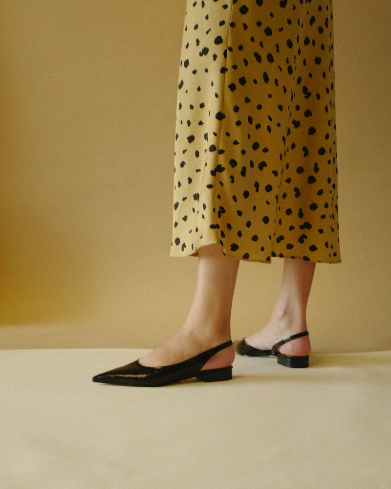 Trulo Flat Slingbacks in Black Croco Print