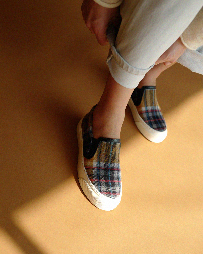 Beniton Sneakers in Wool Checquer