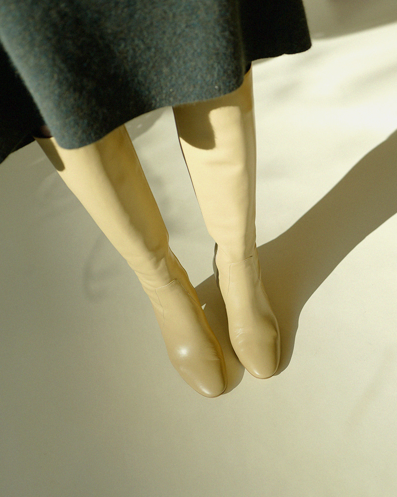 Fromage Boots in Beige