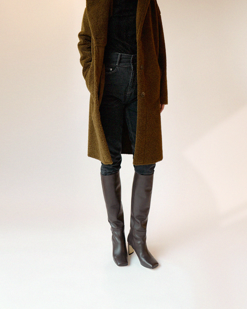 Shadeit Boots in Dark Brown