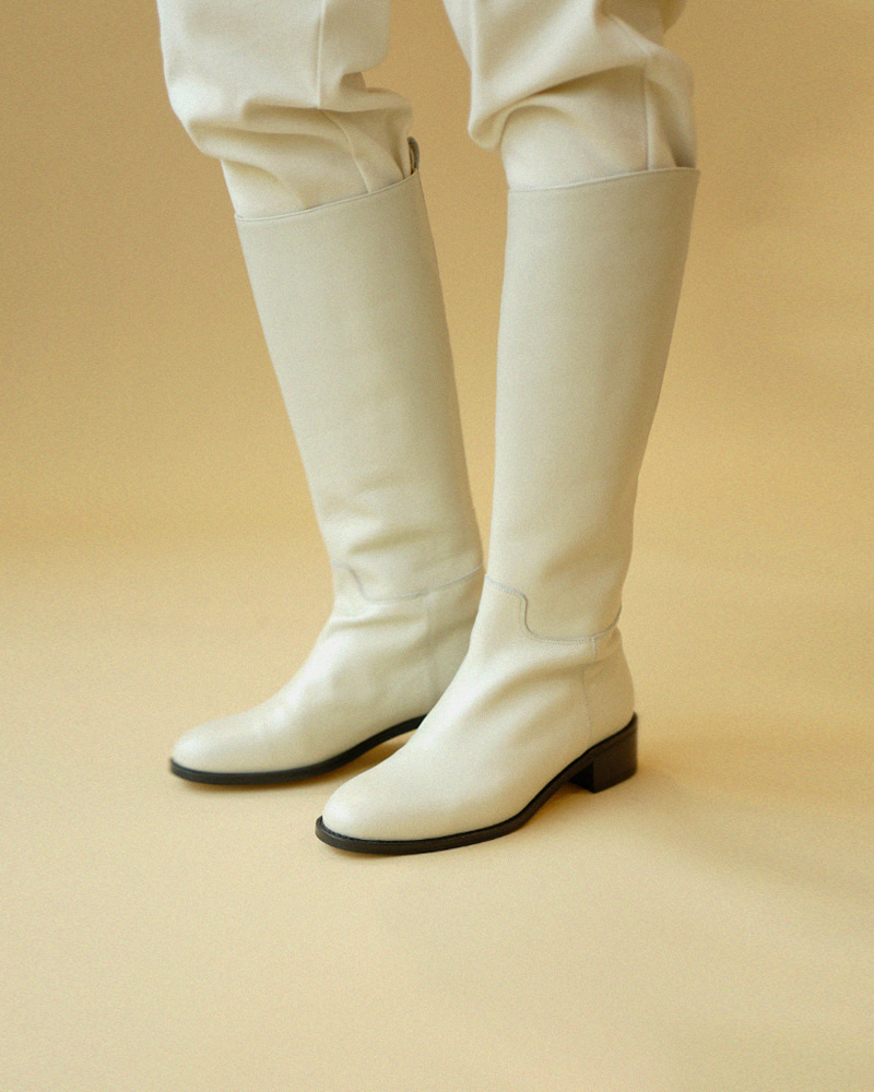 La Saut Riding Boots in Ivory White