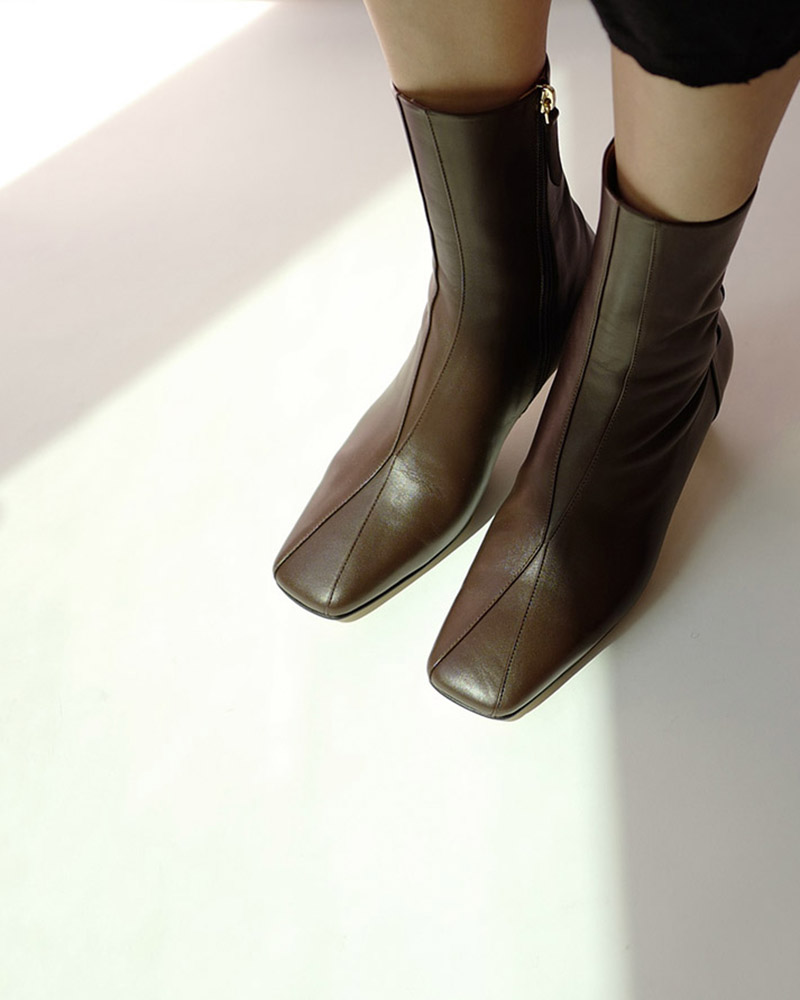 Chester Boots in Roast Brown