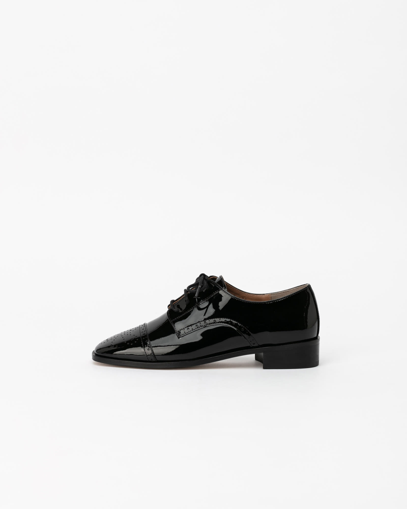 Joanne Oxford Loafers in Black Patent