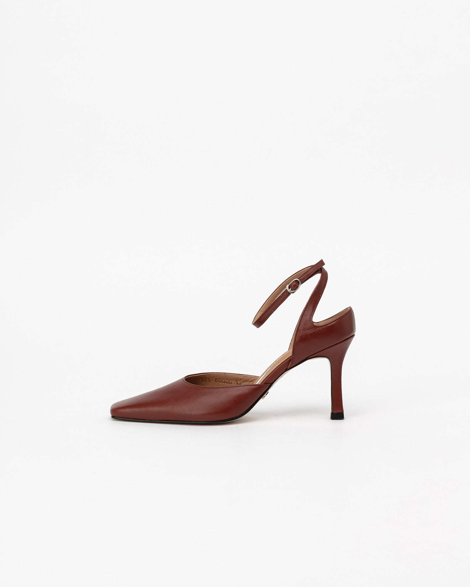 SeQuis Strap Pumps in Tender Brown