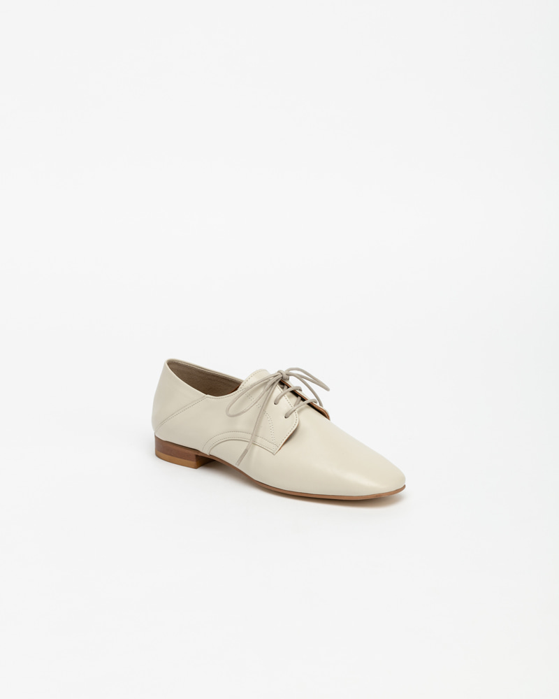 Sanity Loafers in Ivory Calf
