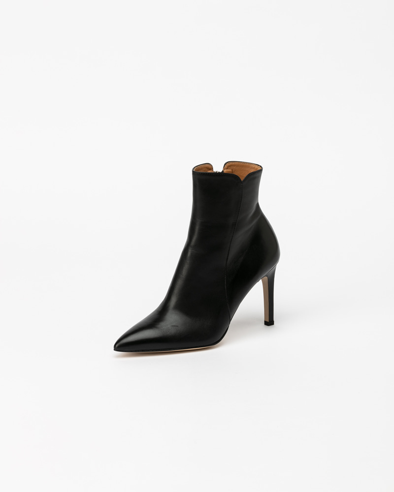 Pheonix Boots in Black Calf