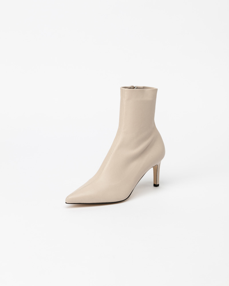 Batton Spandex Boots in Ivory