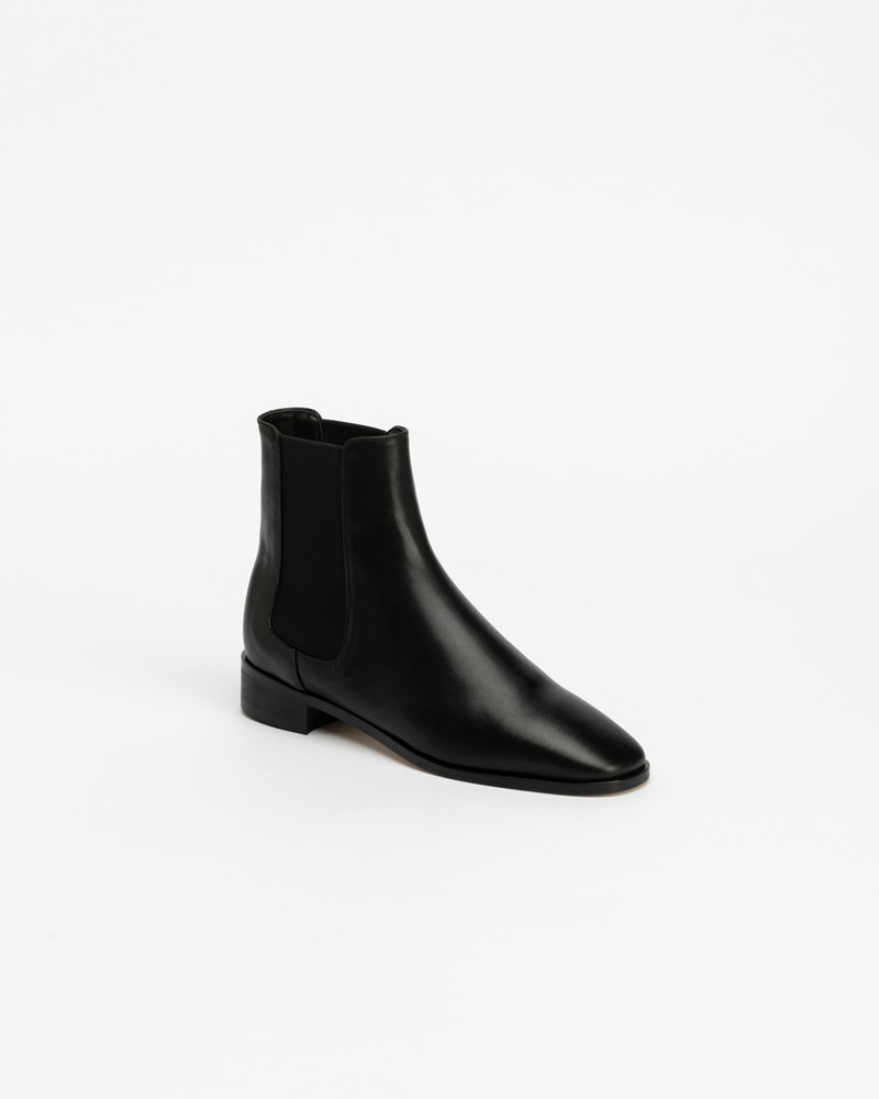 Walt Chelsea Boots in Black