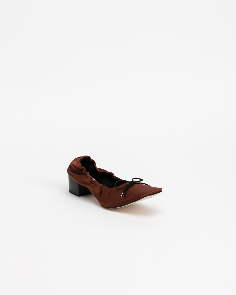 Le Sable Pumps in Gold Brown