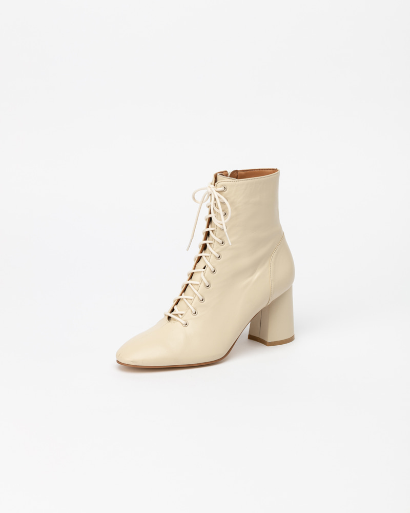 Faylin Lace-up Boots in Ivory