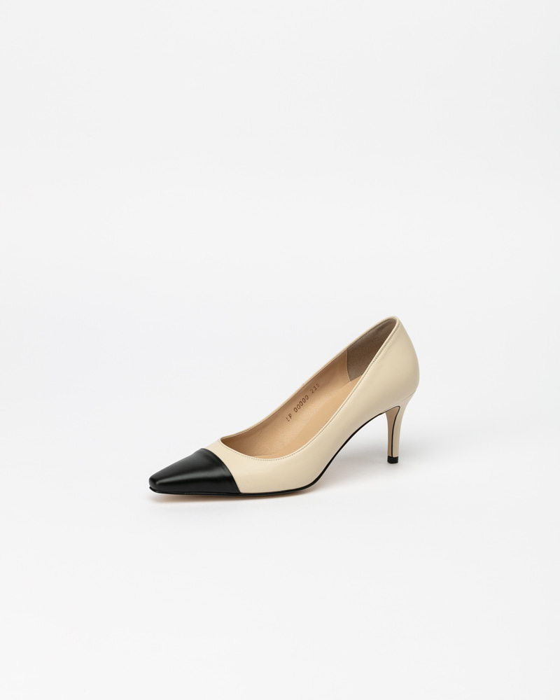 Kernell Pumps in Ivory with Black Toe