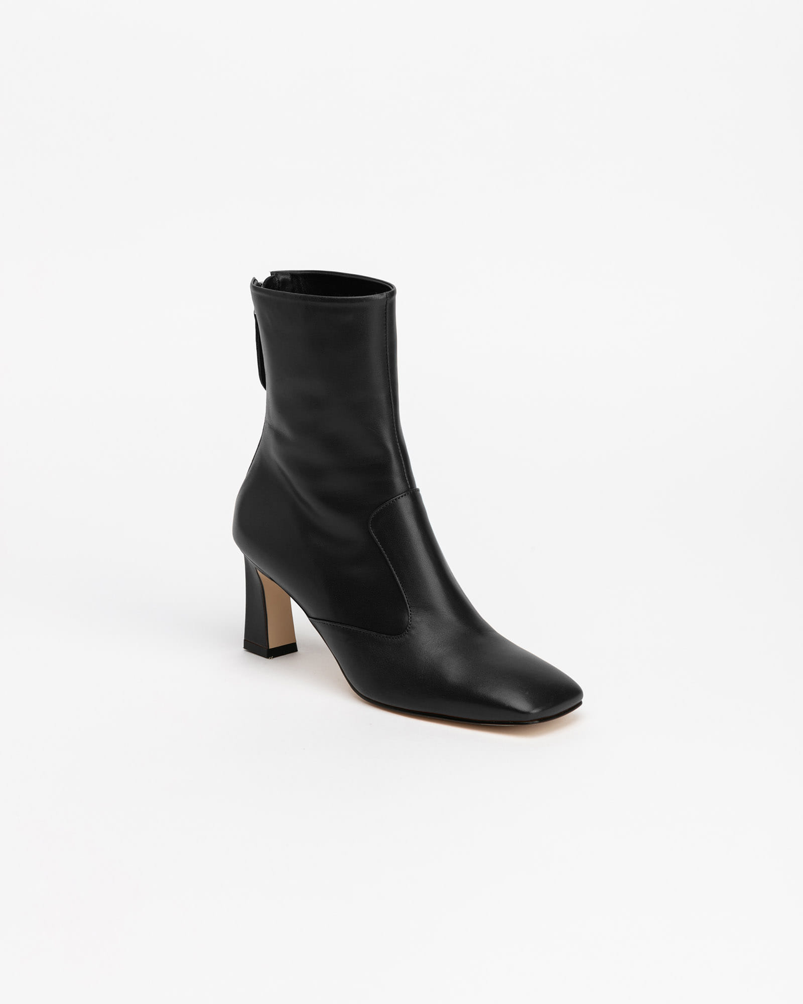 Elisa Boots in Regular Black