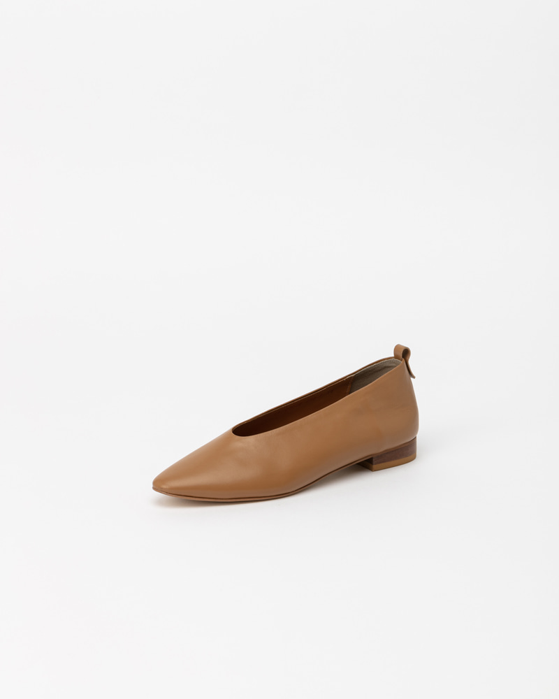 Lucenta Flat Shoes in Caramel Beige