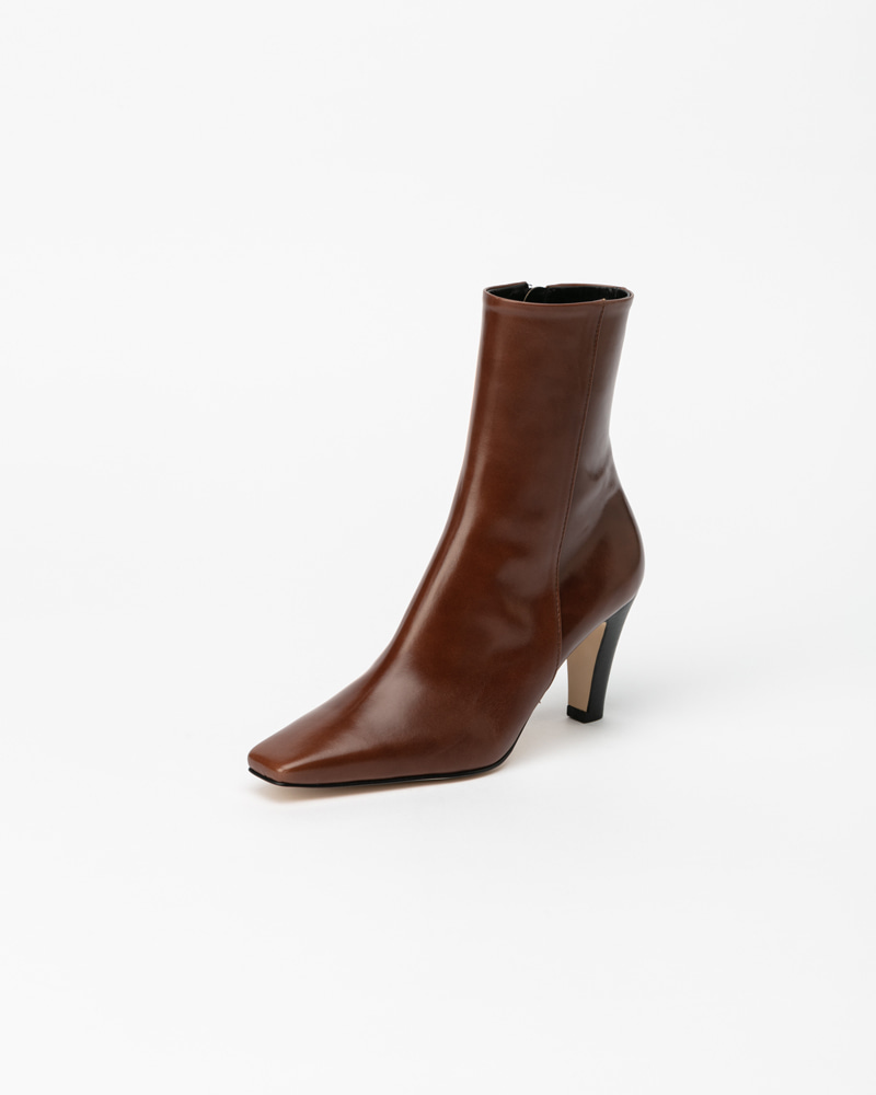 Mecenas Boots in Brown