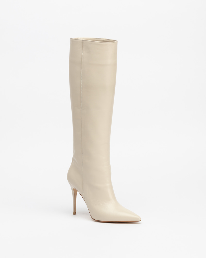 Fidel Boots in Ivory White