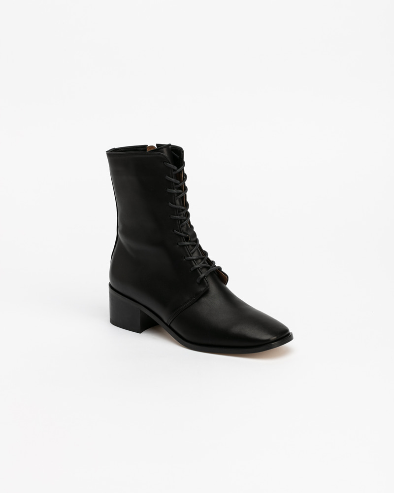 Naro Lace-up Boots in Black