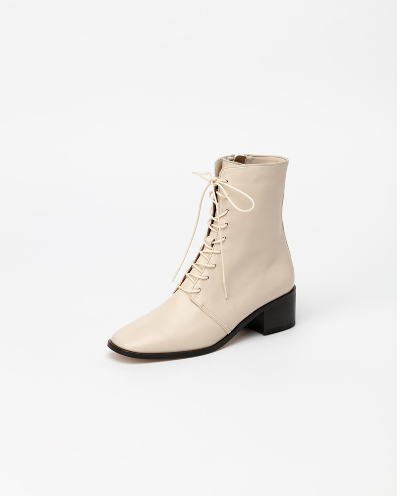 Naro Lace-up Boots in Ivory