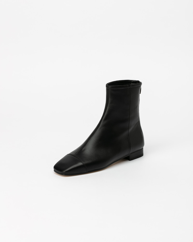 Resonaire Flat Boots in Black