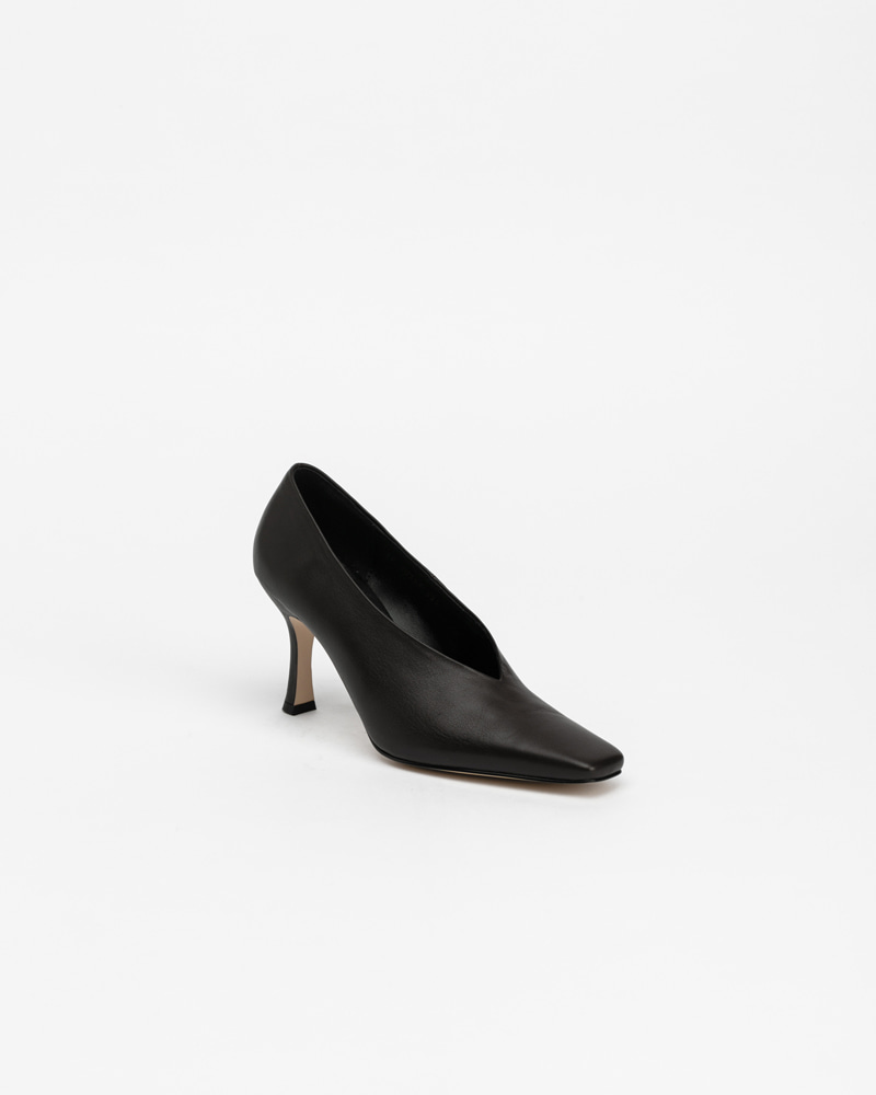 Mecenas Pumps in Black