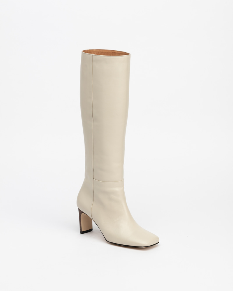 Shadeit Boots in Ivory