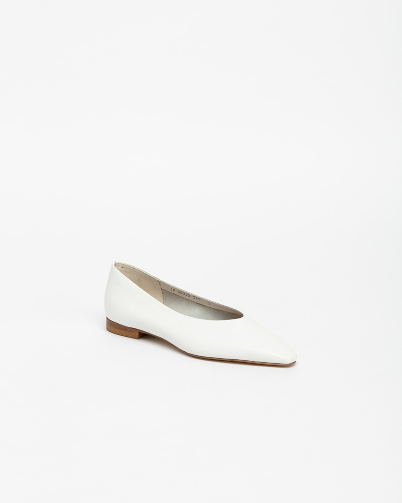 Yvonne Flats in White