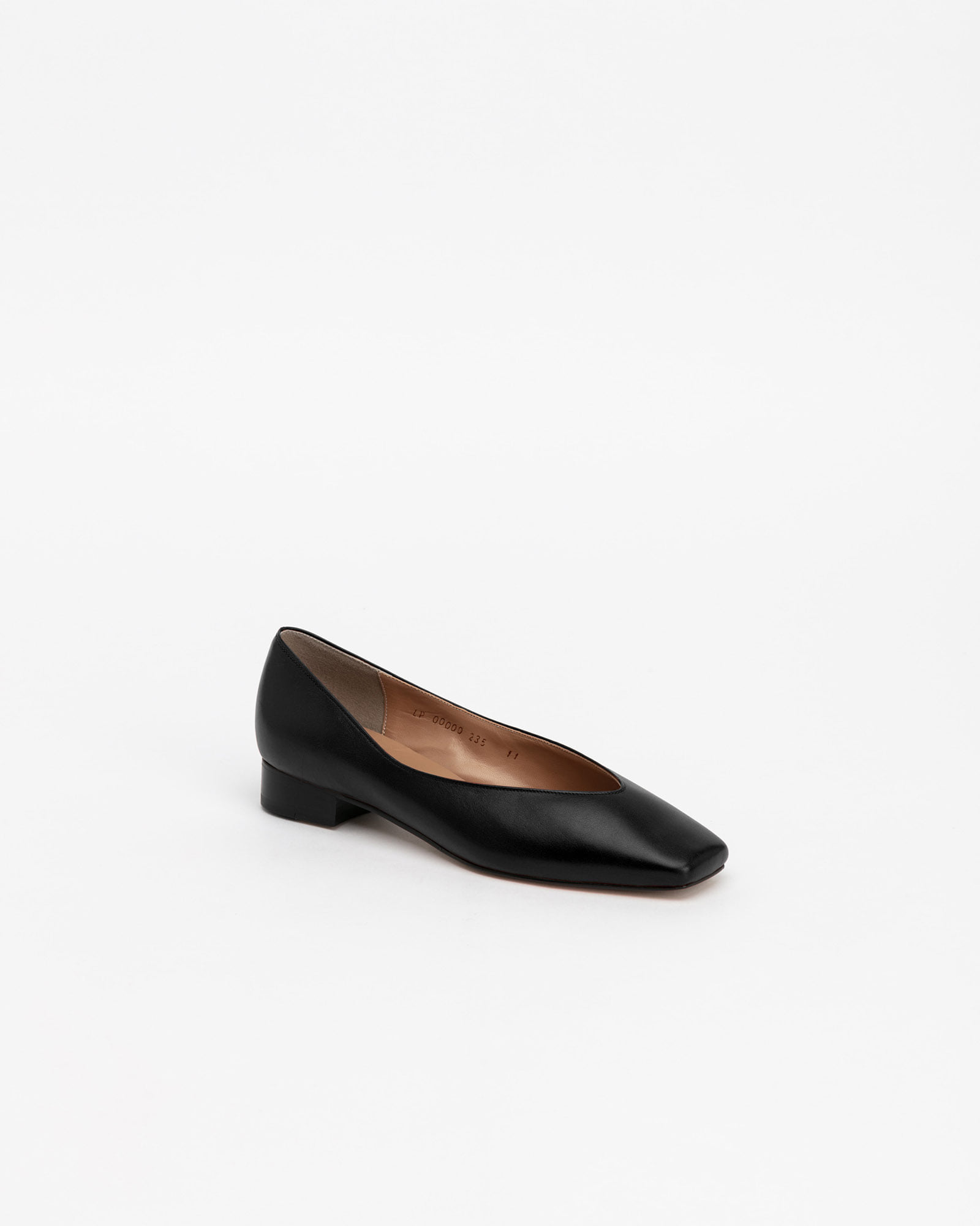 Purin Flat Shoes in Regular Black
