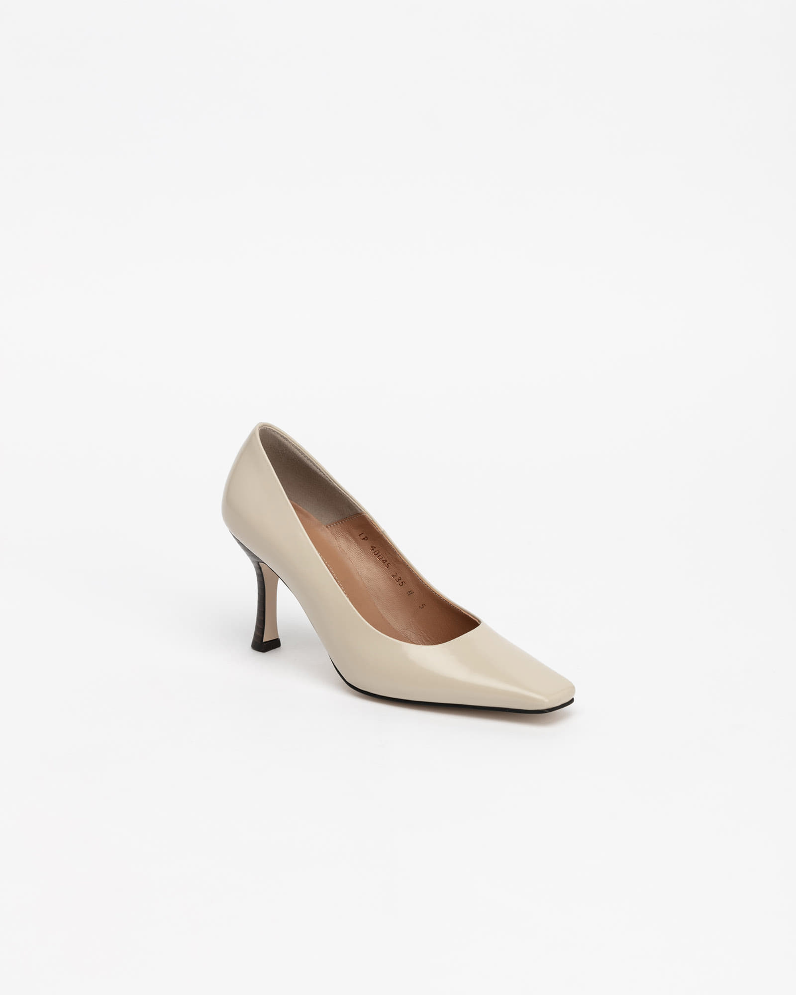 Seraff Pumps in Cream Ivory Box