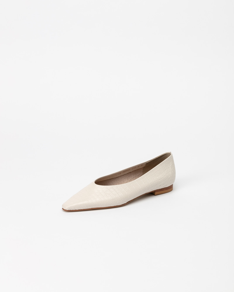 Yvonne Flat Shoes in Ivory Croco Print